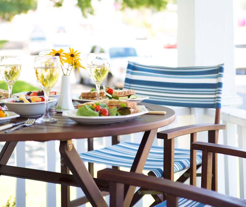 Vegan-Lunch-on-patio-512455493_3840x5760